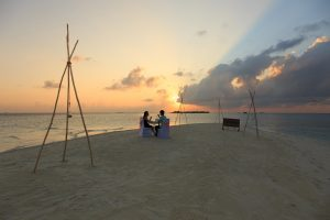 Sun Aqua Vilu Reef Honeymoon Flitterwochen Malediven Maledives Wein