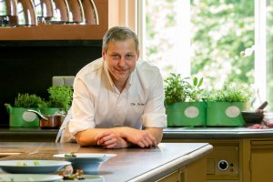 Weissenhaus Grand VIllage Resort & Spa am Meer Ostsee Christian Scharrer Küchendirektor segara Kommunikation Tourismus PR Agentur München