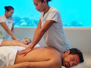 Huvafen Fushi Spa Tourismus segara PR Agentur München Massage unter Wasser