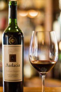segara_PR_Agentur_München_Ellerman_House_Bar_Wine_bottle_glass