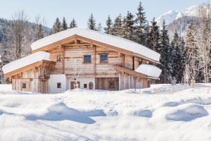 segara_PR_Agentur_München_Gut_Steinbach_Tourismus_Chaletdorf_exterior_winter