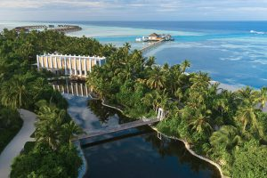 segara_PR_Agentur_München_Tourismus_Pullman_Maldives_Maamutaa_resort_lake_bridge