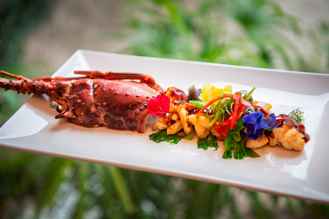 Emerald_Maldives_food_lobster