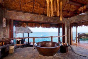 segara_PR_Agentur_München_Laucala_Island_overwater_villa_bathroom