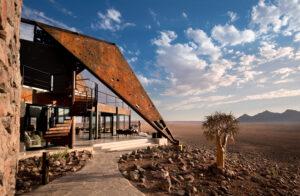 segara_PR_Agentur_München_andBeyond_Sossusvlei_Desert_Lodge_guest_area_terrace