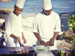 segara_PR_Agentur_München_Raffles_Seychellen_Beach_Barbecue_n