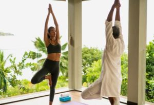 Raffles_Seychelles_segara_PR_Agentur_München_outdoor_Yoga