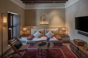 Al_Bait_Sharjah_Heritage_Suite1_Living_Room_Sofa