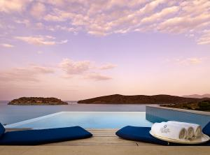 Blue_Palace_Resort_&_Spa_Private_Pool