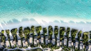 Emerald_Maldives_aerial_beach_villas