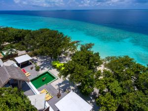 Emerald_Maldives_beach_villa_with_pool