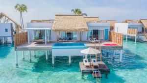Emerald_Maldives_Superior_Water_Villa_with_pool