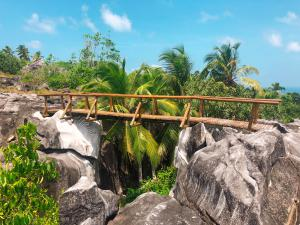 Fregate Island Private Sigal Bridge