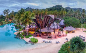 Laucala_Island_Bar©Trey_Ratcliff