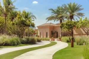 One&Only The Palm Exteriors_Mansion_Pathway_1