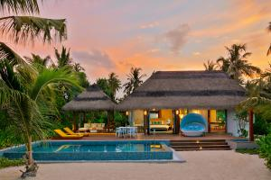 Pullman-Maldives_Beach-Pool-Villa_Evening