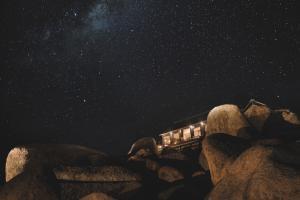 Sonop_Outdoor_Nightsky_Lodge_Stars_©_Zannier_Hotels