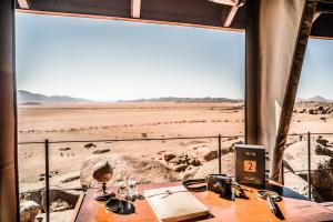 Sonop_Tents_12_Interior_Bedroom_©Tibo_for_Zannier_Hotels_@tibodhermy
