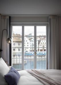 Storchen_Zürich_Zimmer_Bett_Fenster