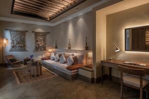 The_Chedi_Al_Bait_Sharjah_Grand_Room_Living_Room