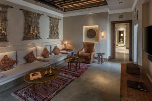The_Chedi_Al_Bait_Sharjah_Grand_Suite_Living_Room _Corner_Sofa
