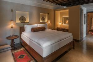 The_Chedi_Al_Bait_Sharjah_Heritage_Room_Bedroom_Corner_Shot_2