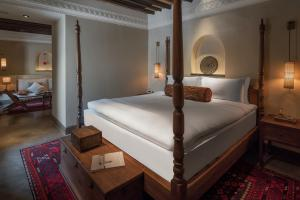 The_Chedi_Al_Bait_Sharjah_Heritage_Suite1_Bedroom