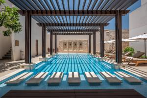 The_Chedi_Al_Bait_Sharjah_Pool_Frontal