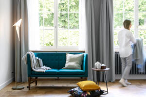 Widder_Hotel_Luxury_Residences_Sofa_Blau_Fenster_Ausblick