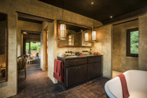 Zannier_Hotels_Bãi_San_Hô_Hill_Pool_Villa_Bathroom_©_Frederik_Wissink_for_Zannier_Hotels
