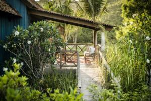 Zannier_Hotels_Bãi_San_Hô_Paddy_Field_Villa_Exterior_©_Frederik_Wissink_for_Zannier_Hotels