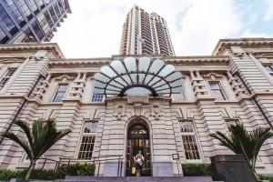 AVANI Metropolis Auckland Residences Suites Exterior