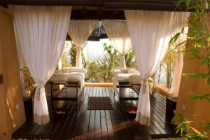 AVANI Pemba Beach Hotel & Spa Spa Outdoor Treatment Sala