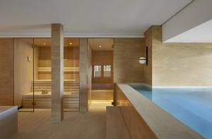 Alex Lake Zürich Sauna Pool