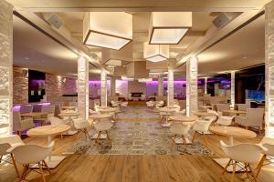 Amare Marbella Lounge