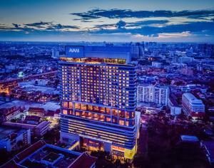 AVANI Riverside Bangkok exterior