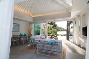 AVANI Sunset Coast Samui Resort & Villas  2 Bedroom Beachfront Pool Villa Living Room