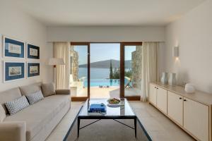 Blue Palace Resort & Spa Mediterranean Maisonette Living Room
