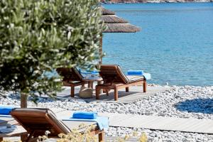Blue Palace Resort & Spa Private Beach 03