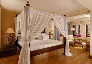 Blue Palace Resort & Spa Royal Blue Villa Bedroom 03