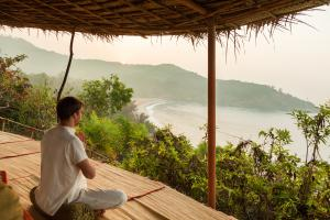 CGH Earth SwaSwara meditation with a view