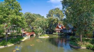 Chiva Som International Health Resort Lake view