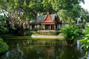 Chiva Som International Health Resort Thai Pavilion Suite Sitting Sala lake 16