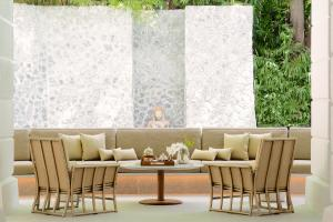 Chiva Som International Health Resort Tranquility pond seating