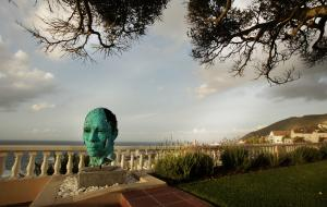 Ellerman House Sculp Lionel