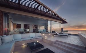 Ellerman House Villa Two Deck Complete