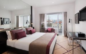 AVANI Avenida Liberdade Lisbon Hotel Deluxe Room