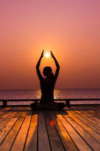Fairmont Maldives Sirru Fen Fushi Sunset Yoga
