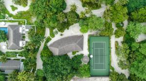 Fairmont Maldives Sirru Fen Fushi Tennis Court