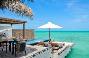 Fairmont Maldives Sirru Fen Fushi Water Villa